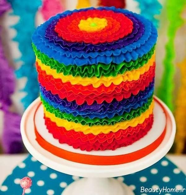 تزیین کیک تولد شیک و بی نظیر با تم رنگین کمان